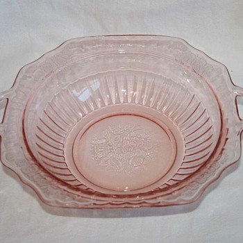 Pink Depression Anchor Hocking MAYFAIR OPEN ROSE Handled Vegetable Bowl