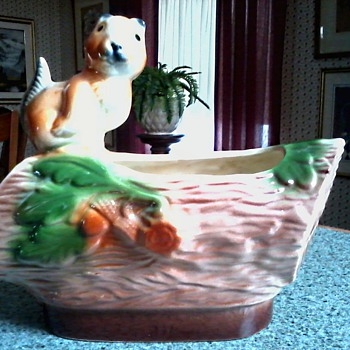 California Pottery USA #211 / Chipmunk on a Log Planter / Circa 1950 -60's