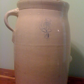 possible butter churn? - Art Pottery