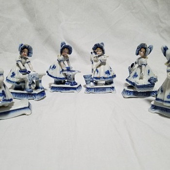 Days of the week blue & white figurines