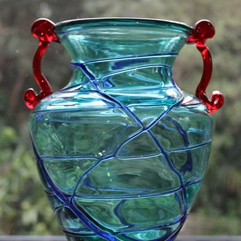 Japanese vase - Italian flag - I'm no longer confused - Art Glass