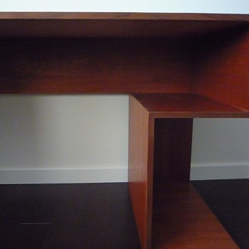 mid century desk-anyone knows the designer?