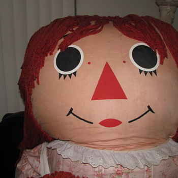 Store Display Raggedy Ann - Dolls