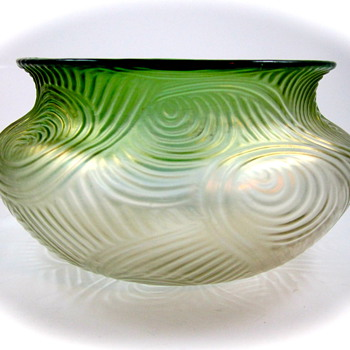 Loetz Spiraloptisch - Zen and the Art of Glass