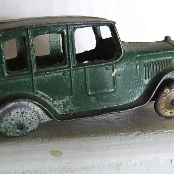 Tootsie toy 1923 no. 4629 Ford Sedan - Model Cars