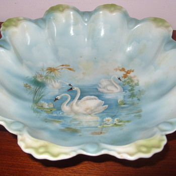 swan bowl - China and Dinnerware