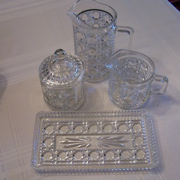 Cut crystal antique set. - Glassware