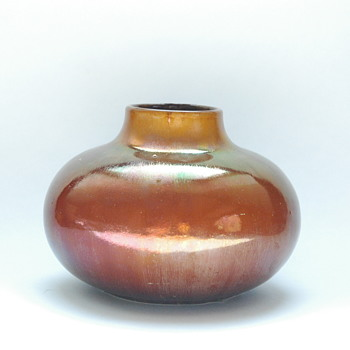 a rare lustre pottery vase attr.  to  LEON ELCHINGER