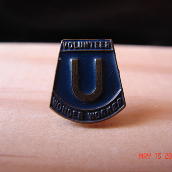 Unknown Old Volunteer Pin Wonder Worker