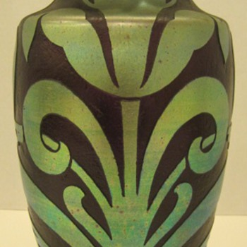 Kralik - Cameo Styles #6 -  Iridescent cutback - Art Glass