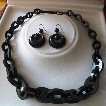 Antique Victorian vulcanite/Gutta Percha mourning jewelry; earrings and necklace