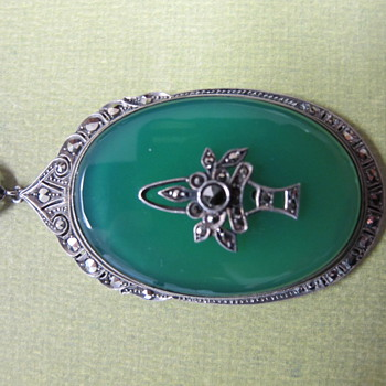 Green Onyx Art Deco/Nouveau Necklace - Fine Jewelry