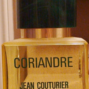 Coriandre Perfume Store Display Large