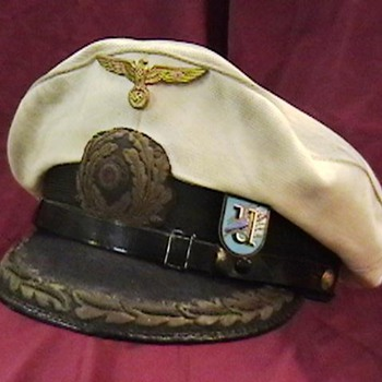 WW II German Kriegsmarine U Boat Commander's Cap - Military and Wartime