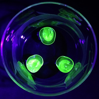 (wheel?) Cut & frosted bowl on uranium glass feet - Glassware