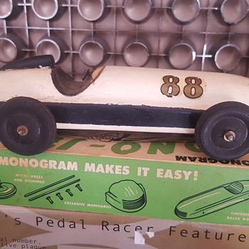 1945 Monogram Model Kit