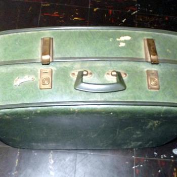 1950s-suitcase.