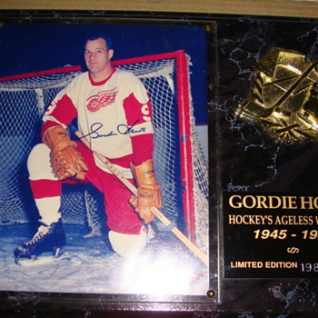 Gordie Howe Plaque - Hockey