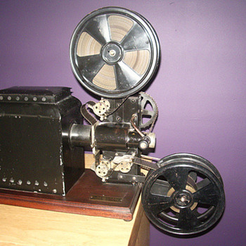Cummings 35mm projector from around 1920 - Cameras