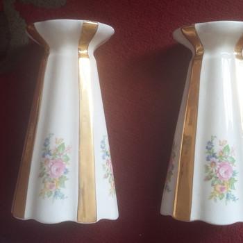 Floral gilded vases