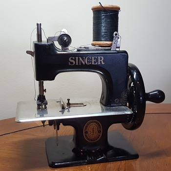 Singer Sewhandy Child's Sewing Machine - Sewing