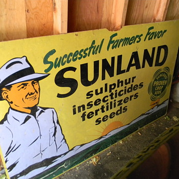 Sunland Crop Aids - Signs