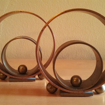 "Art Deco Chase ""Ring"" Bookends"