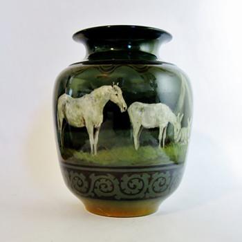 HANNAH BARLOW  1851-1916    FOR DOULTON LAMBETH-ENGLAND - Art Pottery