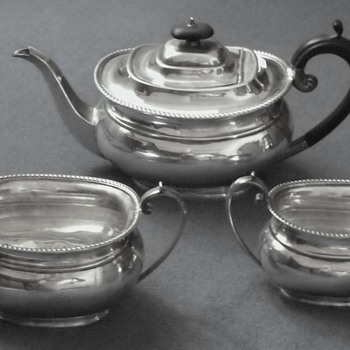 SEBASTIAN GARRARD TEA SET - Sterling Silver