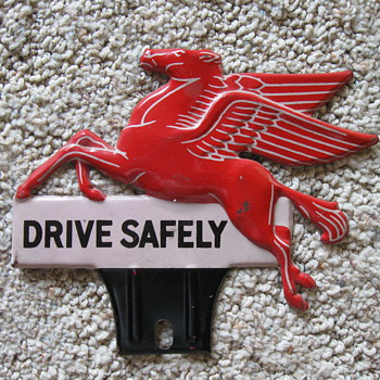 Pegasus Mobil Oil License Plate Topper - Petroliana