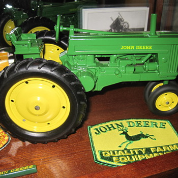 1954 Ertl John Deere 60 toy - Model Cars