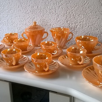Fire King Peach Lusterware & Jadeite Flea Market Finds - Glassware