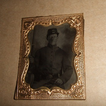 Tintype of Armed Civil War soldier