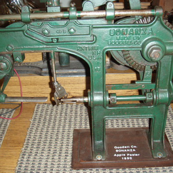 Bonanza apple peeler
