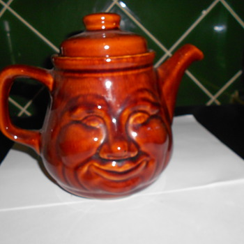 Toni Raymond Pottery Tea Pot. England. - Art Pottery