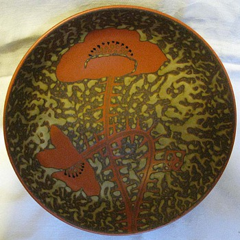 Arts and Crafts era stoneware poppy bowl
