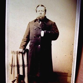"CIVIL WAR ERA,ODD FIGURED MAN, SHORT LEGS & LONG COAT ""STUBBY"" - Photographs"