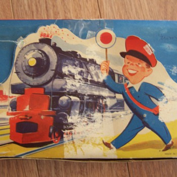KEY WIND TIN TOY TRAIN FROM WESTERN ZONE GERMANY - Model Trains