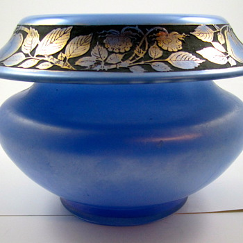 Iridescent Glass Bowl with Oroplastic Fruit Decoration - Art Glass