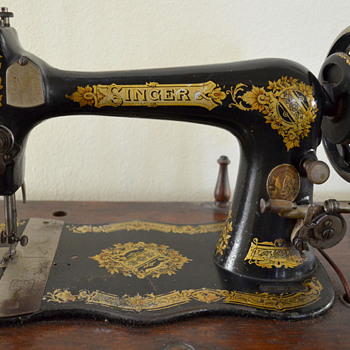 My Circa 1891 Singer Treadle Sewing Machine - Sewing