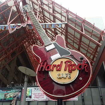 The Hard Rock Cafe...Louisville. - Music