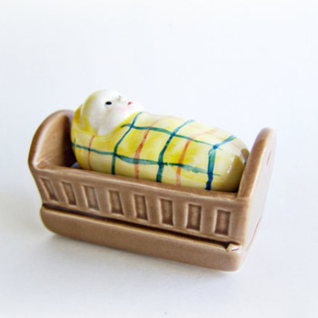 Vintage Salt and Pepper Shakers Baby in a Crib Child Go with Shaker Set , late 1960-70