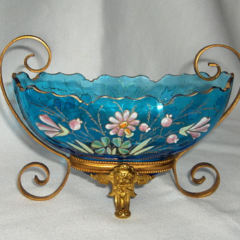 A little jewel of a Harrach blue glass bowl with gilded mount. - Art Glass