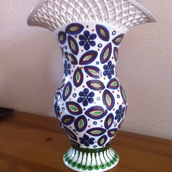 Porcelain vase - Art Pottery