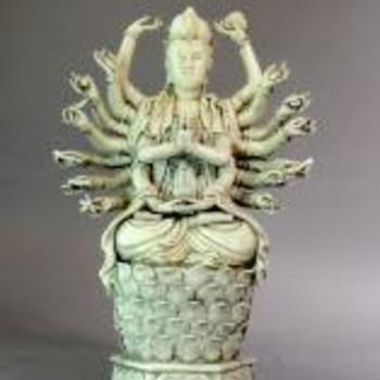 Dehua 18 hands guanyin statue - Asian
