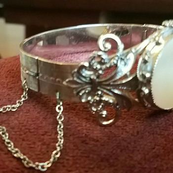 Whiting and Davis Mother of Pear Bracelet - very intricate - Fine Jewelry
