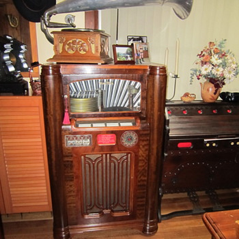 Wurlitzer 1936 Jukebox - Coin Operated