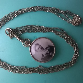 Oddball Necklace With Adjustable Chain