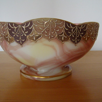 Pink marbled bowl - Art Glass