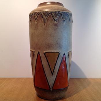SCHEURICH BODENVASE  - Pottery